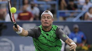 Raonic ousts Hewitt in Washington